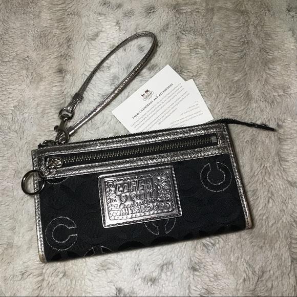 cb927f87 🆕Coach Poppy OP Art Metallic Wallet/ Wristlet